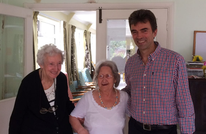 MP Tom Brake visits Oaks Way Community Centre