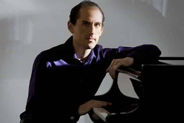 Top pianist to take part in celebrity masterclass